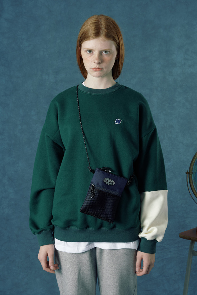 [35%SALE][앤커버] Color block sweatshirt-dark green (기간한정세일 1.18 - 1.24)